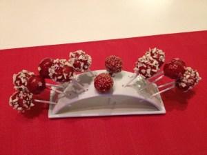 Cake pop - Gateau à la fraise enrobé de coulis de framboise