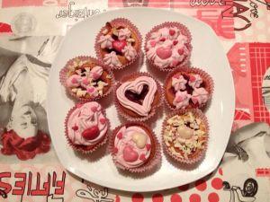 Cupcakes St Valentin avec un coeur deframboise