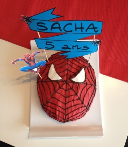 gateau spyderman